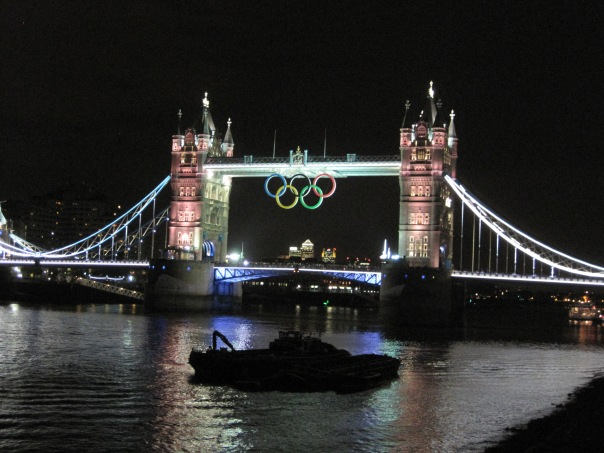 Tower Bridge Olympic rings © Memoirs Of A Metro Girl 2012