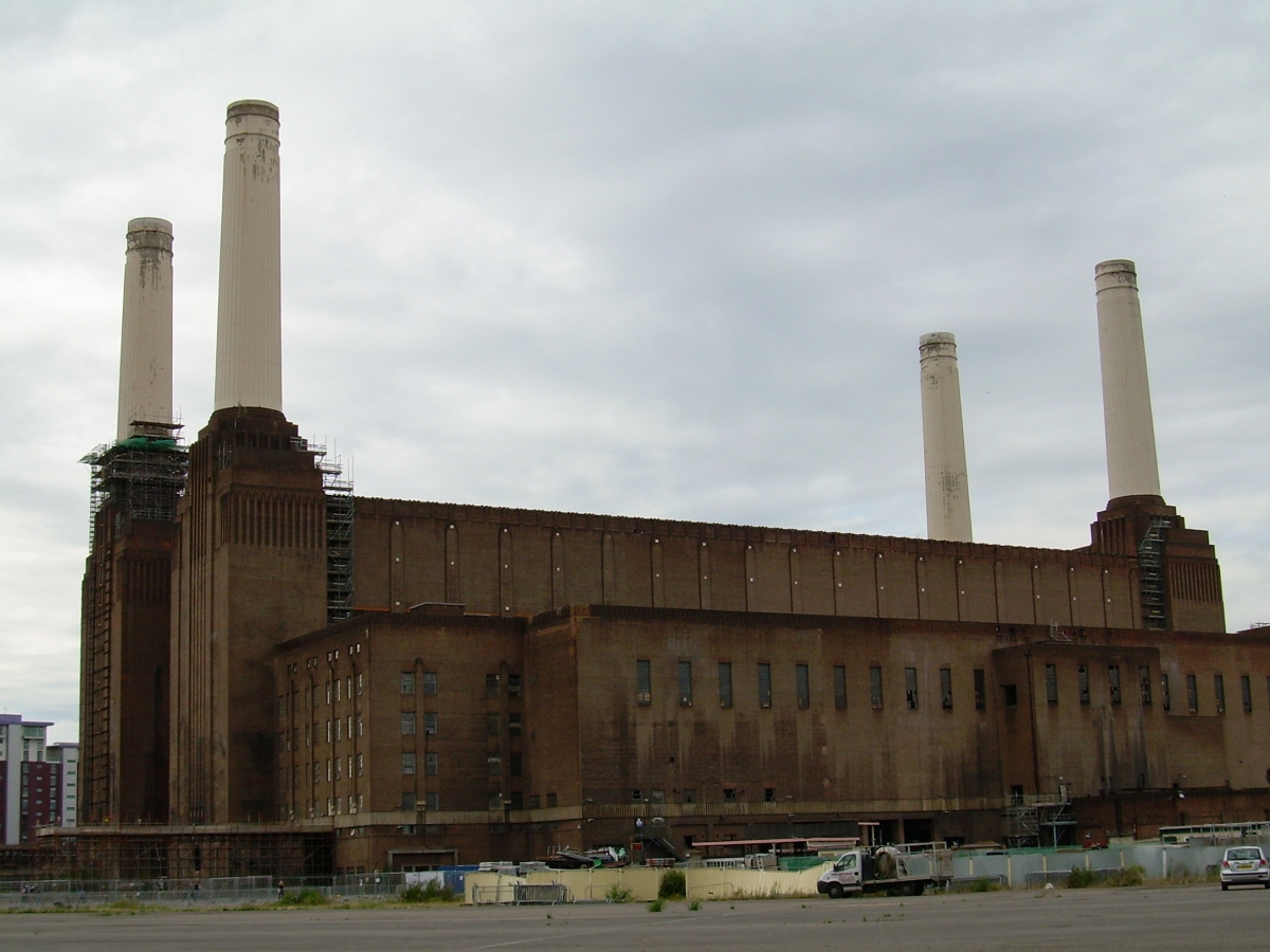 Battersea Power Station © Memoirs Of A Metro Girl 2012