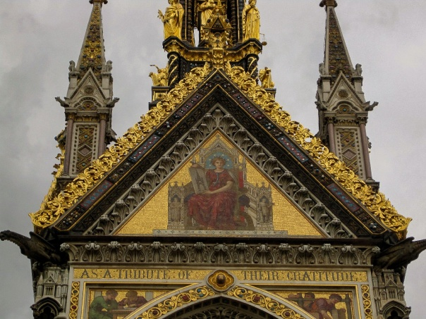 Albert Memorial close up © Memoirs Of A Metro Girl 2012