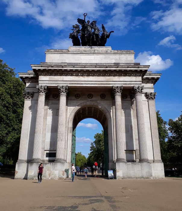 Wellington Arch © Memoirs Of A Metro Girl 2013