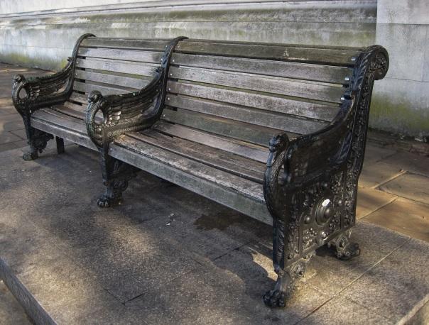 Swan bench © Memoirs Of A Metro Girl 2015