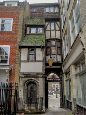 St Barts Gatehouse © Memoirs Of A Metro Girl 2015