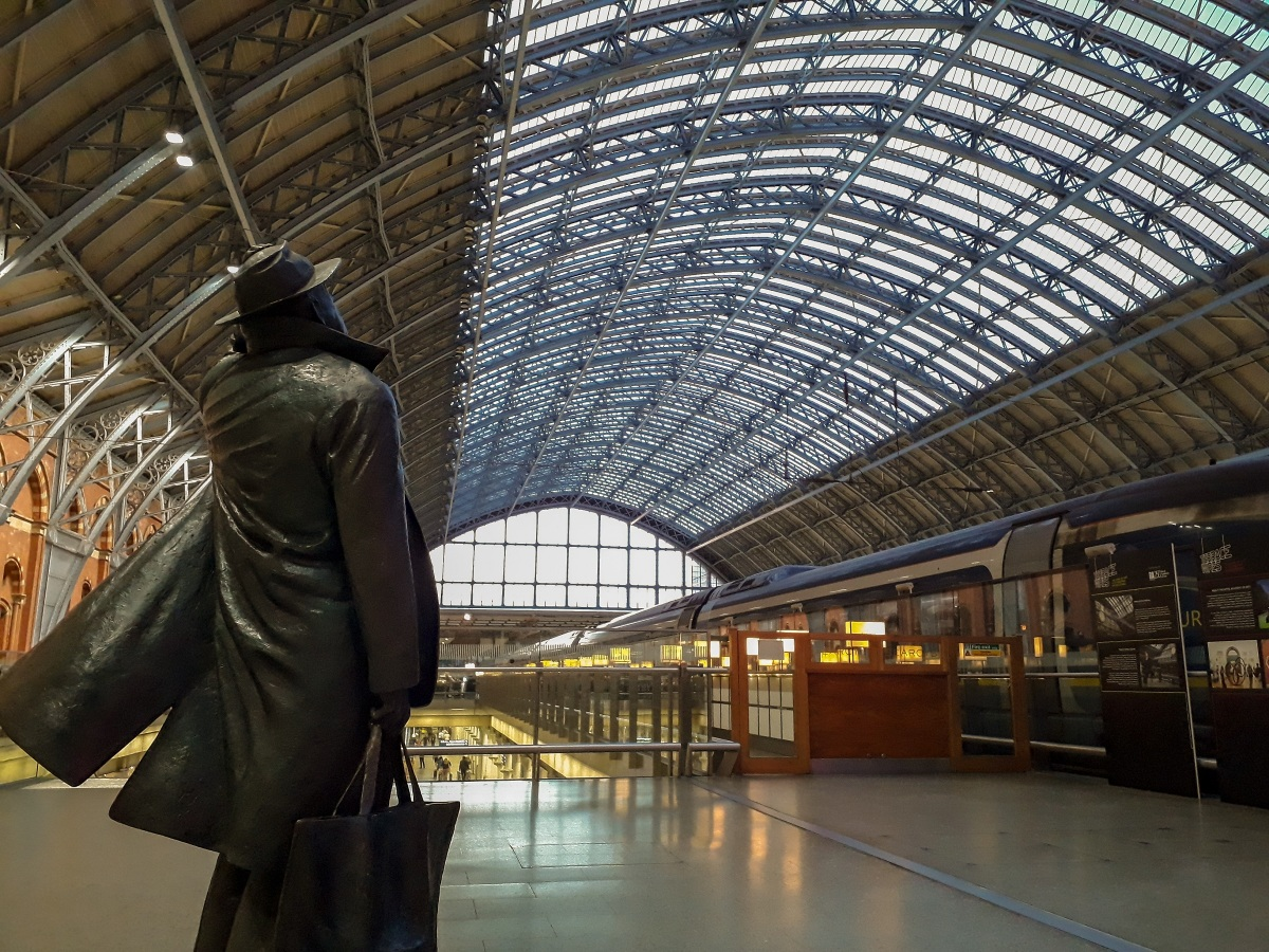 Tribute To The Man Who Saved St Pancras Station The Sir -3294