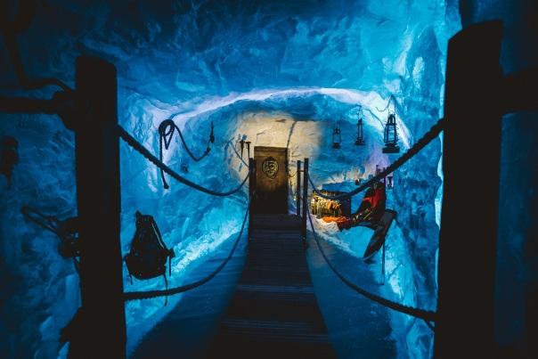 Backyard Cinema Snow Kingdom review: Travel through an ice cave to a fantastical festive film ...