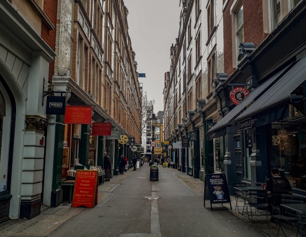 Cecil Court © Memoirs Of A Metro Girl 2018