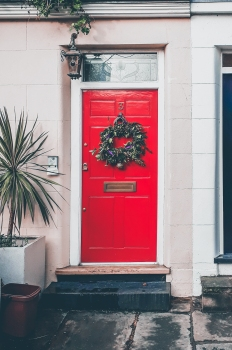 Festive door Fitzrovia Christmas © Memoirs Of A Metro Girl 2018