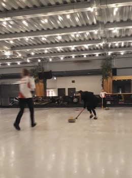 Queens Sin Bin curling © Memoirs Of A Metro Girl 2018