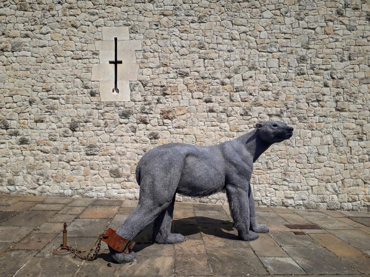 Tower of London Tour polar bear © Memoirs Of A Metro Girl 2019