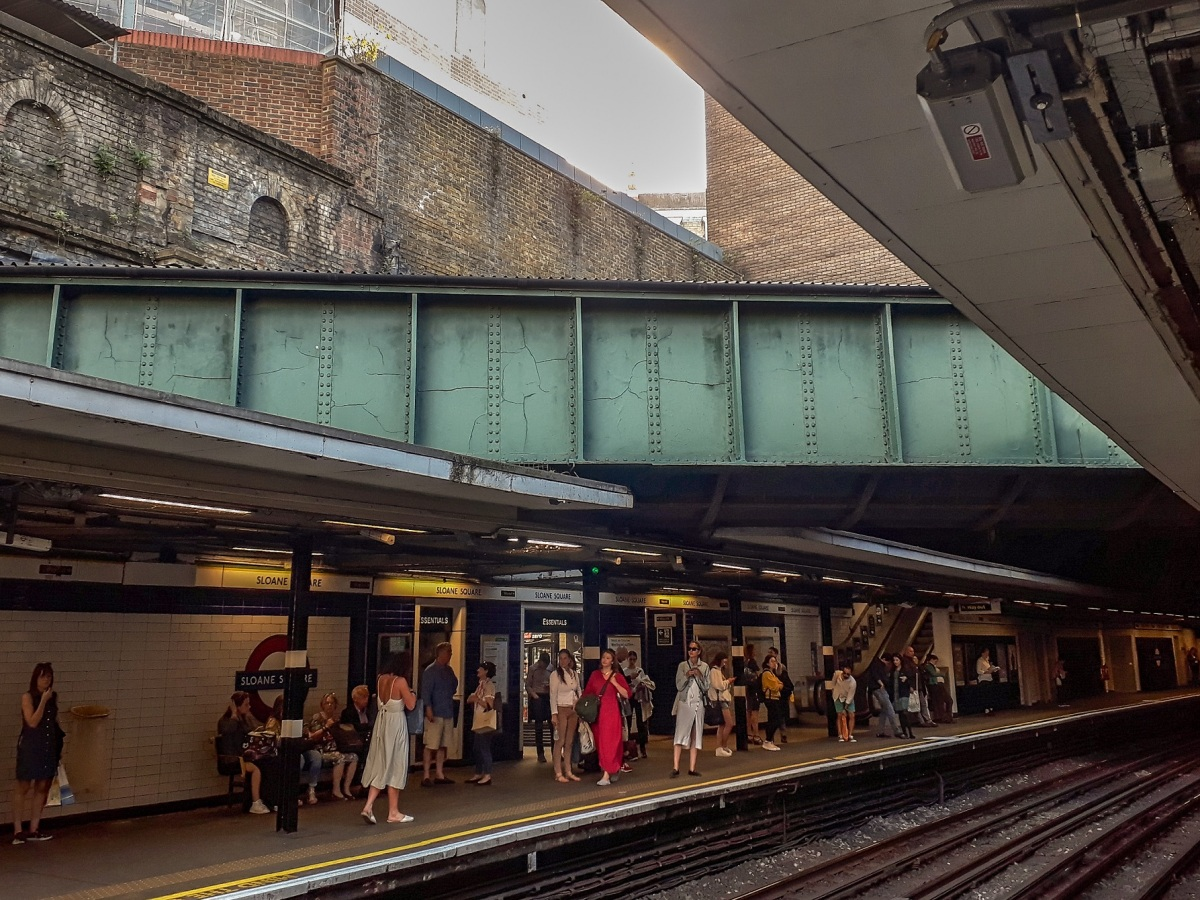 Sloane Sq river © Memoirs Of A Metro Girl 2018