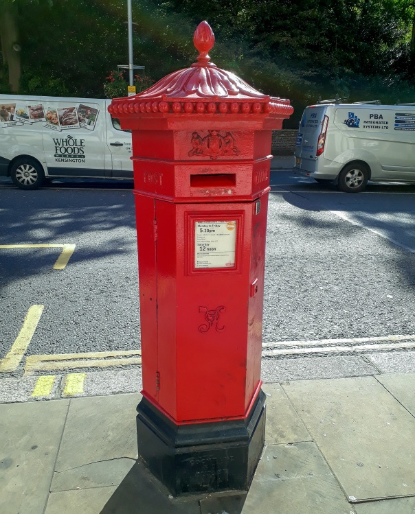 Victorian post box © Memoirs Of A Metro Girl 2019