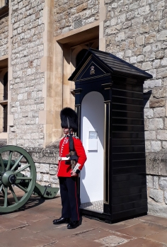 Tower of London Tour © Memoirs Of A Metro Girl 2019