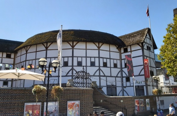 Shakespeare's Globe © Memoirs Of A Metro Girl 2019