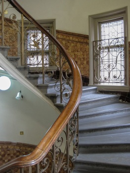 Finsbury Town Hall stairs © Memoirs Of A Metro Girl 2020