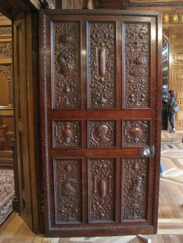 Two Temple Place doors © Memoirs Of A Metro Girl 2020